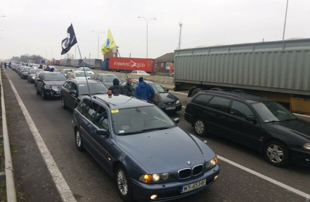 Євробляхи опинилися поза законом: водії висловилися про штрафи