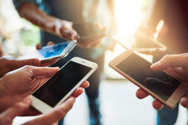 """Владельцы iPhone в страшной опасности: Apple предупредила о неотвратимой """"смерти"""""""