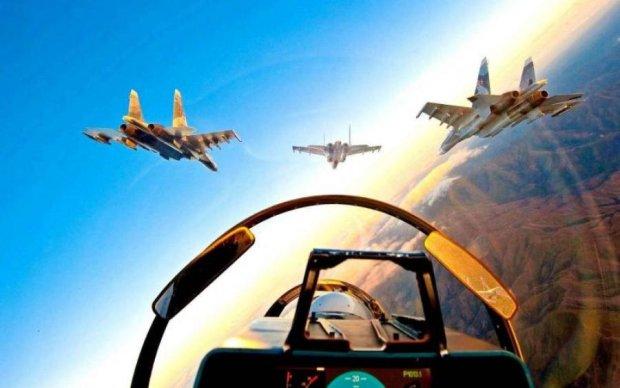 Тот самый Су-27: Россия направила истребитель на американцев