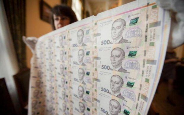 Борг України за місяць виріс на мільярд