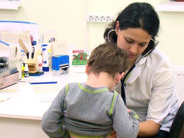 Комаровский дал ценный совет родителям: что делать с высокой температурой у ребенка