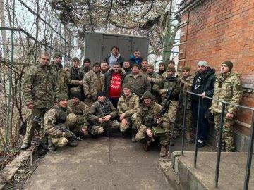 Сергій Притула допомагає українській армії