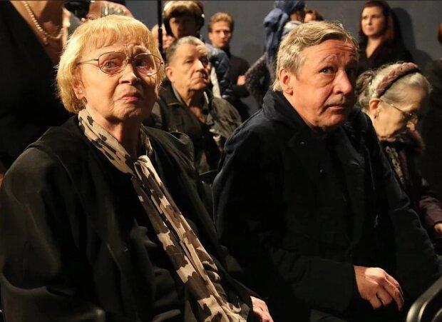 Михайло Єфремов з матір'ю, фото з вільних джерел