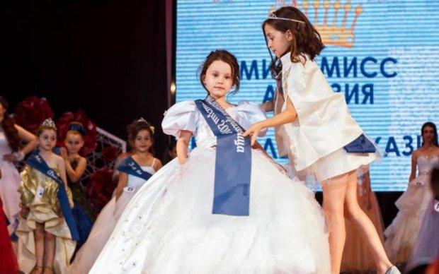 Эти фото возмущают: россияне нагло присвоили украинскую красавицу