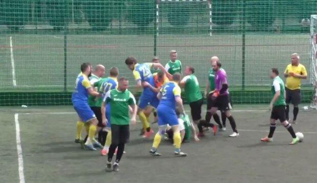 Бійка на матчі за кубок Харкова, скріншот з відео