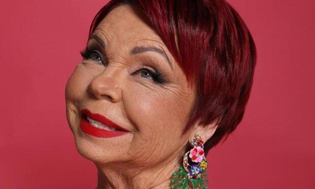 Верка Сердючка внезапно оказалась в Майами: 75-летняя мама Наташи Королевой не ожидала сюрприза