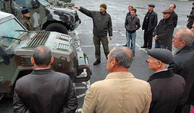 Національна гвардія похвалилася новими бронеавтомобілями (фото)