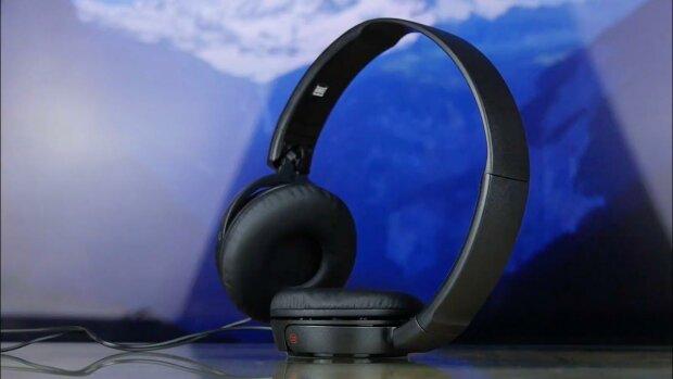 Sony представила уникальные наушники за $2000