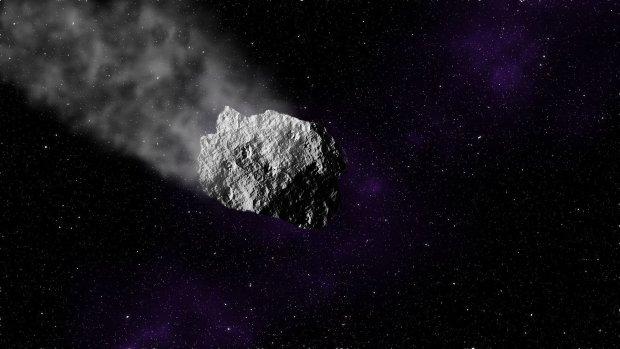 Замаскированный под комету НЛО подобрался к Земле