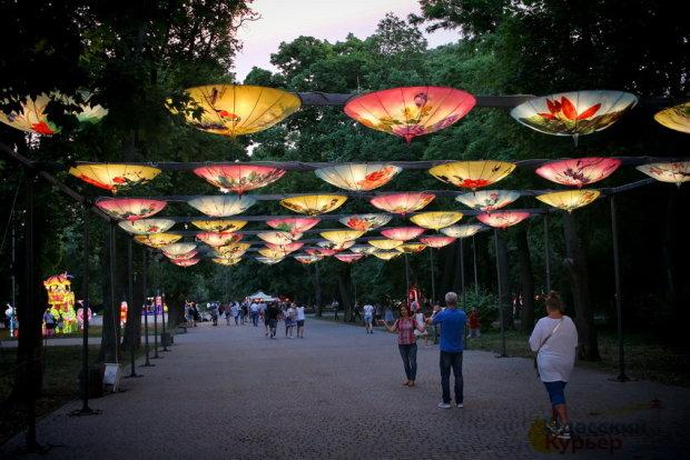 У Одесі з'явився китайський квартал: справжній Пекін, - видовищні кадри