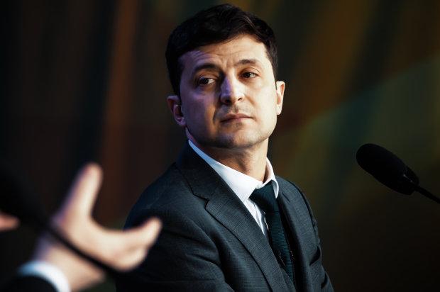 """Зеленський прокоментував скандальне голосування в Раді: """"Мріють за гроші та гречку знову туди пролізти"""""""