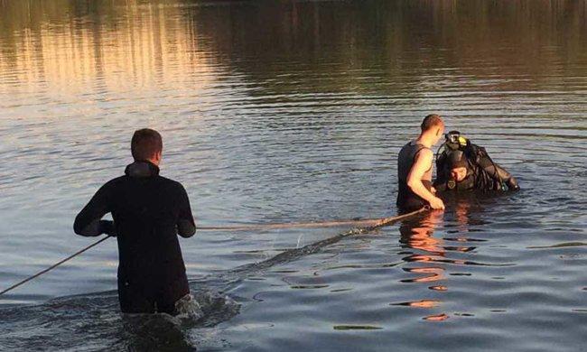 Із Дніпра виловили тіло молодого хлопця: купався на самоті, кадри 18+