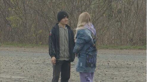 """13-летняя школьница родила от отчима и шокировала Украину: """"Не только он"""""""