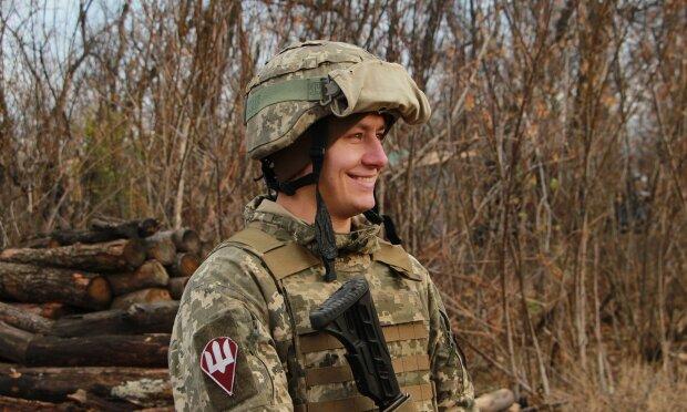 """Воїн ЗСУ відмовляється залишати Донбас, навіть під обстрілами окупантів: """"Пишаюся"""""""
