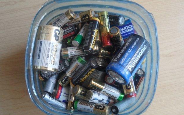Киевлянам подсказали, куда нести переработанные батарейки