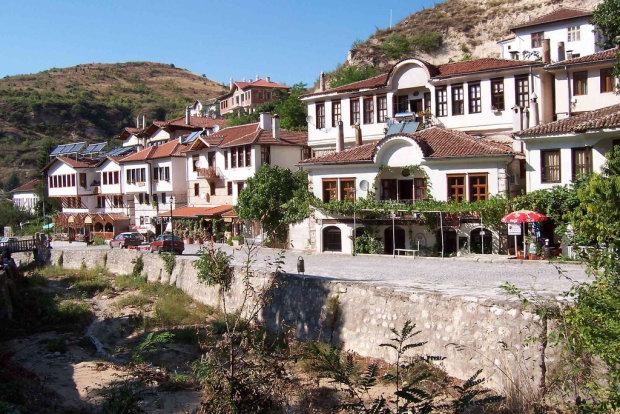 Подорож до Болгарії: чим зайнятися в маленькому і затишному Мелнику