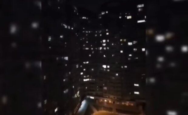 Пение с балконов, скриншот: Facebook