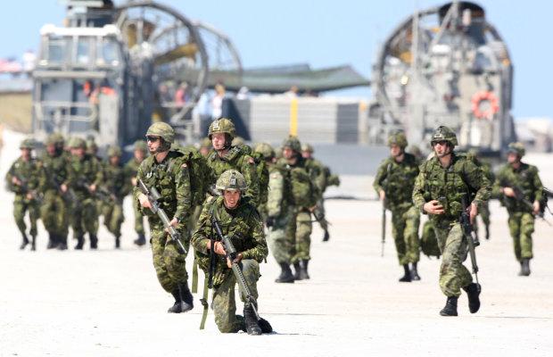 Канадським військовим дозволили бути волохатими