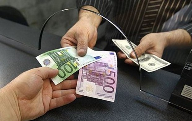 Купить валюту невозможно: от новых правил пострадают миллионы людей