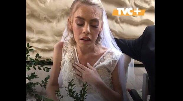 """Умирающая от рака девушка надела свадебное платье и зарыдала от счастья: """"Нас не разлучит смерть"""""""