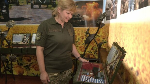 """Вдова погибшего на Донбассе снайпера и многодетная мама взялась за оружие: """"Кто кроме нас?"""""""