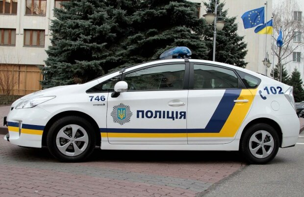 Днепровские копы сняли с поезда в Одессу 17-летнюю беглянку из Луганска