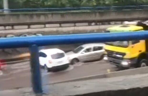 """Киев, будет потоп! Синоптики предупредили о """"сезоне дождей"""" в столице"""