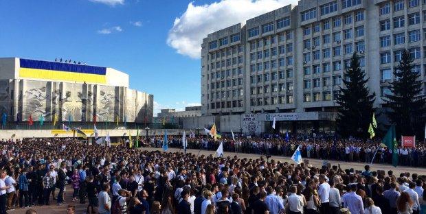 """""""Ми не будемо це терпіти"""": київські студенти повстали проти скандального ректора"""