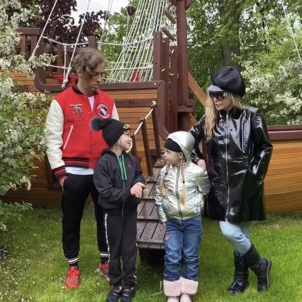 Алла Пугачова і Максим Галкін з дітьми, фото: Instagram