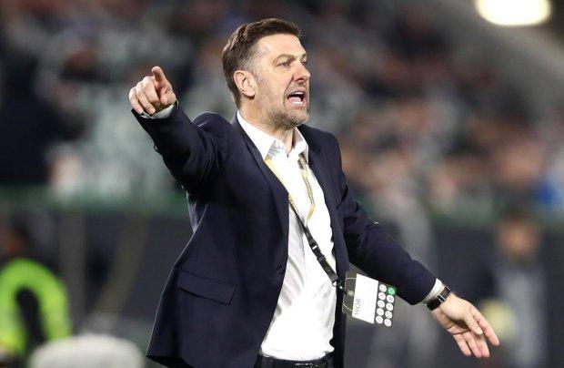 Збірна України з футболу відправила тренера сербів на спочинок: трудову на стіл і бувай
