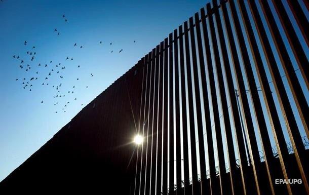 Стена на границе США и Мексики, фото: ЕРА