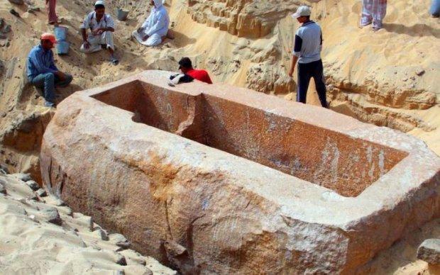 """Древнейшая мумия нашлась в """"пустом"""" саркофаге"""