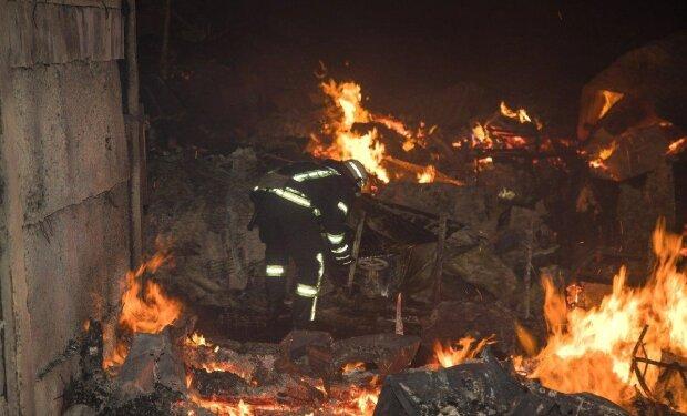 """Переполох на весь базар: в Одесі сталася моторошна пожежа, """"Токіо Стар"""" нагадав про себе з новою силою"""