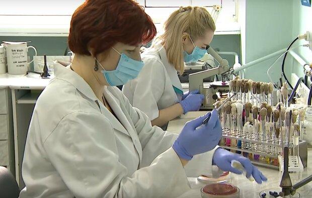 медики, скріншот з відео