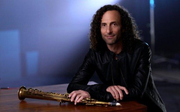 Знаменитий саксофоніст дав концерт на борту літака