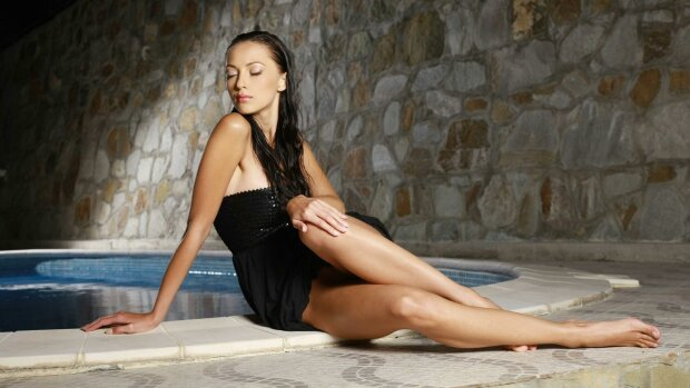 """Украинская девушка Бонда произвела фурор идеальным телом в купальнике: """"Роскошная"""""""