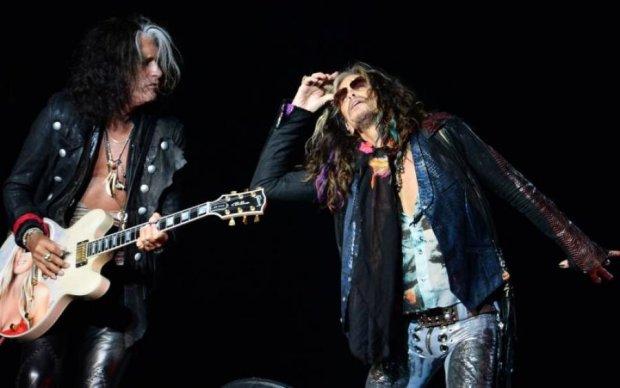 Невідома хвороба підкосила лідера Aerosmith