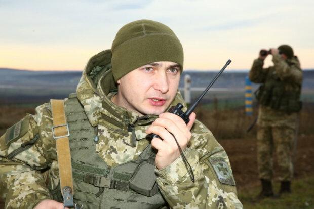 """""""Молдовське"""" на розлив: під Одесою знайшли таємний """"алкопровод"""", - заповітний краник ховали в..."""