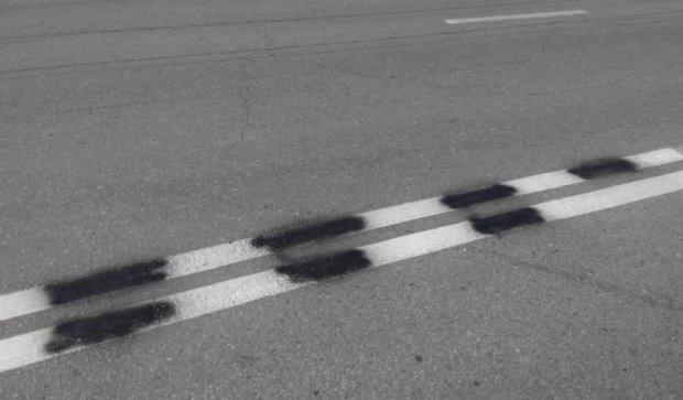 Черновчане самостоятельно нарисовали дорожную разметку