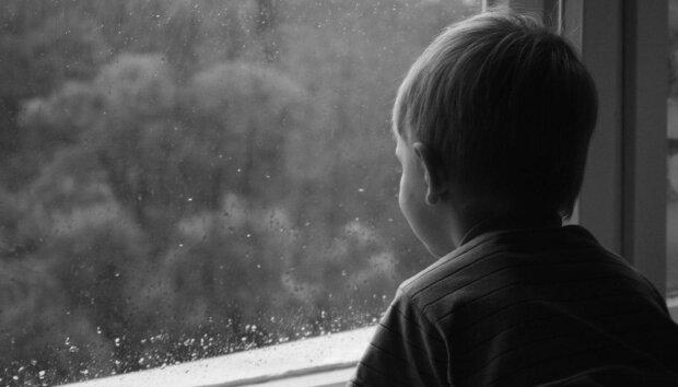 В Одесі жінка ховає сина він його батька та ігнорує рішення суду