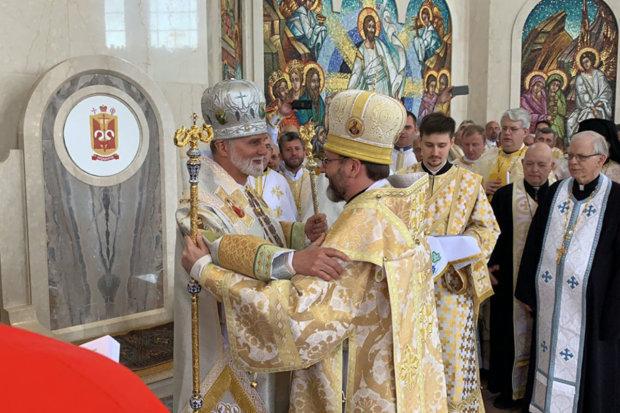 """Украинцам назвали """"божественный"""" доход украинской церкви: от таких зарплат падает челюсть"""
