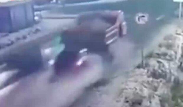 Аварія, скріншот: YouTube