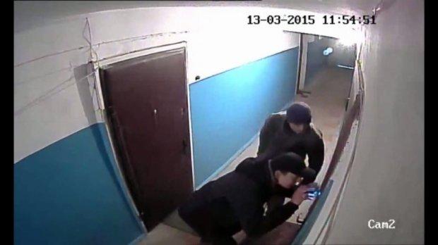 Киевлянин полгода снимает под своей квартирой «домушников» (видео)