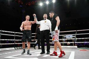 Артур Кишенко выиграл дебютный бой в профессиональном боксе, twitter.com/Matchroom_ESP