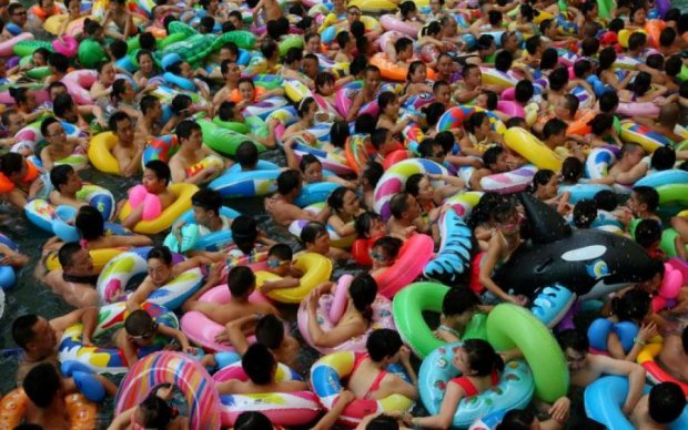 Суп із людей: як у Китаї рятуються від пекельної спеки