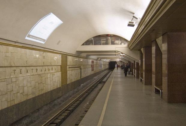 У київському метро НП: ескалатор відправив перелякану пасажирку на лікарняне ліжко