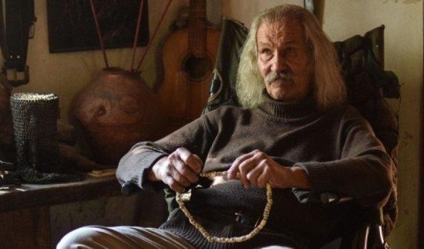 Украинский пенсионер живет в заброшенном селе