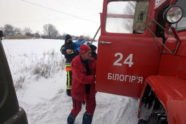 Спасатели, фото: ГСЧС в Хмельницкой области