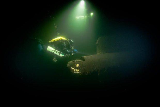 Дайверы показали, какую историю хранят морские глубины: видео