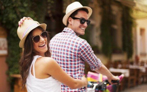 Зустрінете кохання влітку: 5 знаків зодіаку, яким зірки знайдуть пару